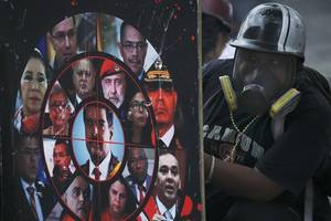 Two Opposition Appointed Judges Detained in Venezuela As Protests Continue