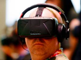 facebook wants you to use its social network in virtual reality — this is what it's like (fb)