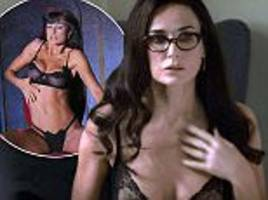 demi moore displays her youthful physique in blind