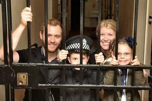 Hundreds turn up for Dumbarton police station open day