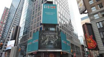 northern ireland showcased in new york's times square with game of thrones billboard
