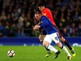 Wayne Rooney says Everton players must share goal burden