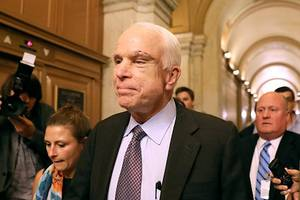Hollywood Reacts to Surprise Defeat of Obamacare Skinny Repeal, Praises 'Hero' McCain