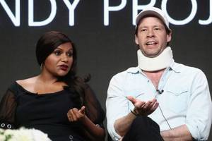 'the mindy project': ike barinholtz 'started crying' when mindy kaling wrote his injury into final season