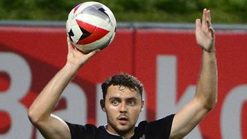 Connor Randall: Hearts sign Liverpool player on loan