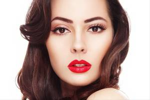 mac cosmetics to give away free lipsticks in intu derby this weekend