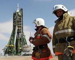 soyuz rocket rolled out, ready to launch