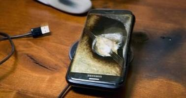 Samsung Galaxy S7 Edge Explodes, Company Pays to Repair Owner's Nightstand