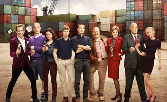 jason bateman shares 'arrested development' season 5 set photo: 'the bluths move back in'