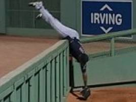 cleveland indians ace austin jackson takes great catch