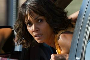 'kidnap' review: halle berry is one tough mother in cheesy, breathtaking thriller