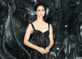 katherine waterston poses topless for vanity fair