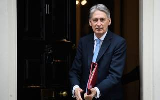 business backs philip hammond's vision for a transitional deal