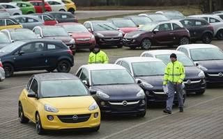 car sales down in july as consumer confidence weakens
