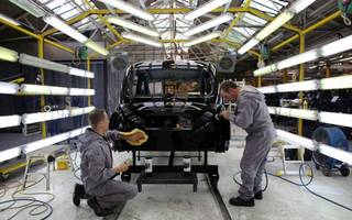manufacturers are boosting business output back to growth