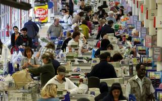 spending stalls: people spent less for the third consecutive month in july