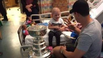 crosby surprises kids at ns hospital with stanley cup