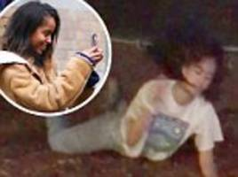 malia obama lost her iphone dancing at lollapalooza