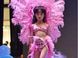 Chinese mall holds fake Victoria's Secret show with girls