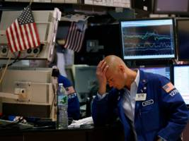 Wall Street traders have had a tough year — and it's eating into their bonuses