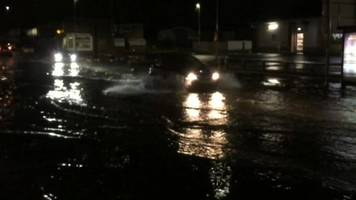 heavy rains leads to flash flooding in yorkshire and lincolnshire