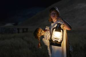 'annabelle: creation' review: horror's bad doll gets a sinister-stuffed origin story