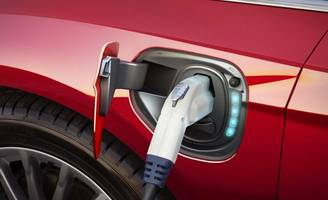hype aside, americans still aren't renting electric cars