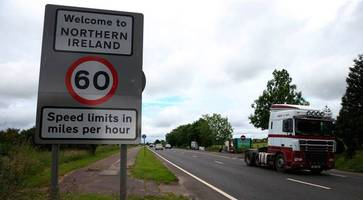 Irish border: Brexit papers to outline Government's aims ahead of talks