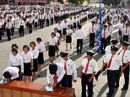 Hundreds of students enlist in the North Korean military