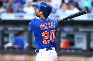 Brewers trade for 2B Neil Walker