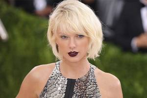 Jury Sides With Taylor Swift In Groping Trial
