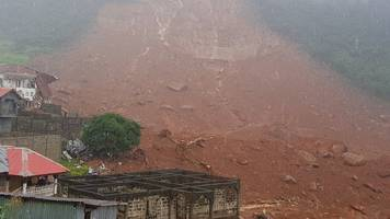 sierra leone mudslide buries houses with hundreds feared dead