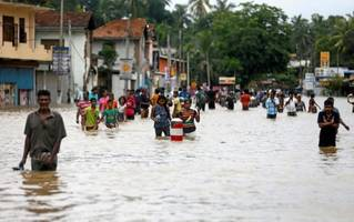 27 killed in floods in bangladesh; nearly 6 lakh affected