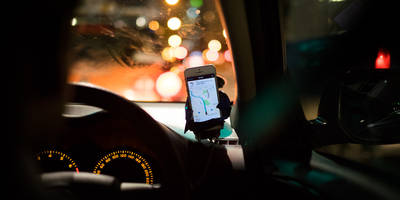 Uber gets less awful for drivers in the UK by introducing in-app tips and paid waiting