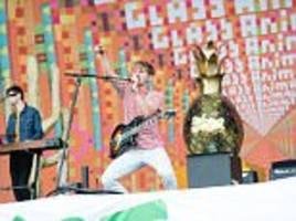 reading and leeds festivals ban pineapples
