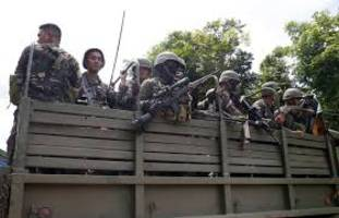 Battles between Philippine extremists, government-backed separatists kill 25