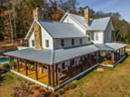 miley cyrus buys $5.8million house in tennessee