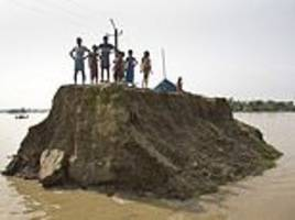 More than 100 dead in Indian monsoon flooding