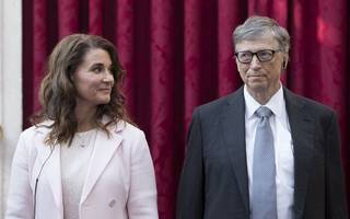 bill gates gives away $4.6bn in microsoft shares to charity