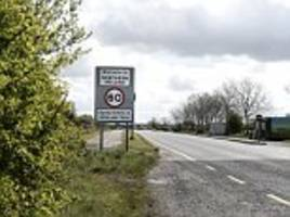 Britain to demand no barriers at the Irish border