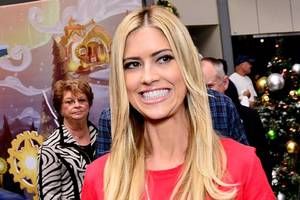 'flip or flop' star christina el moussa gets lectured about witchcraft after 'hollywood medium' tease