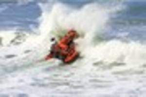 Rip current advice issued after tourist swept out to sea dies