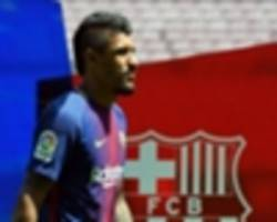 Barcelona sell no Paulinho shirts at new signing's unveiling