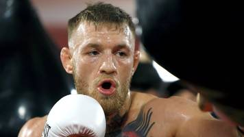 Conor McGregor: 'Lighter gloves mean I will beat Floyd Mayweather Jr in two rounds'