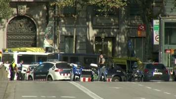 van plows into a crowd in barcelona, spain