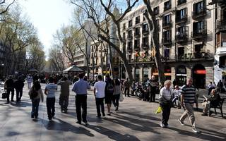 "Barcelona ""massive crash"": Dozens hit as van ploughs into crowds"