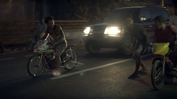 An intimate look at illegal street bike racing in Dominican Republic; video