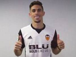 Arsenal defender Gabriel joins Valencia for £11m