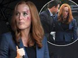 gillian anderson bloodied and brusied in new x-files scene