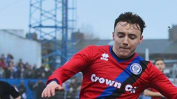 Ollie Rathbone: Rochdale midfielder signs new contract